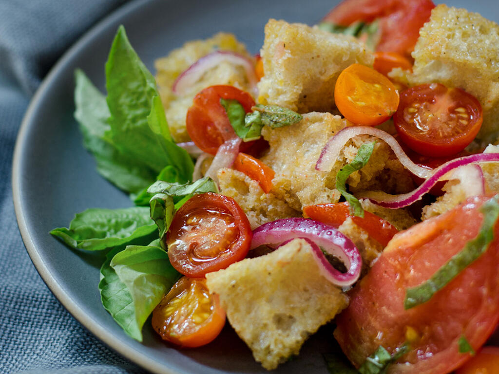 Three-tomato Panzanella (Bread) Salad | Chic Eats